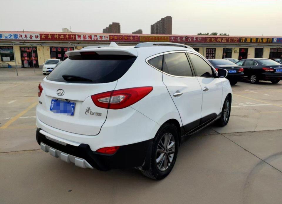 2015-05 现代 ix35 2015款 2.0L 自动两驱领先型 国IV
