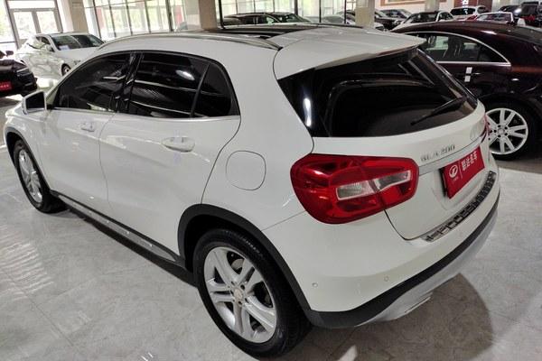 2017-12 奔驰 奔驰GLA 2016款 GLA 220 4MATIC 时尚型