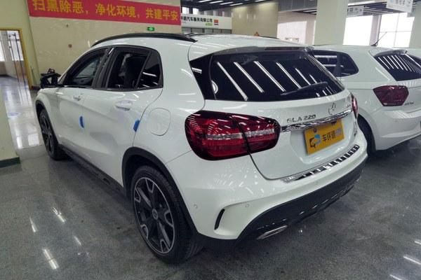 2017-12 奔驰 奔驰GLA 2019款 GLA 260 4MATIC 运动型