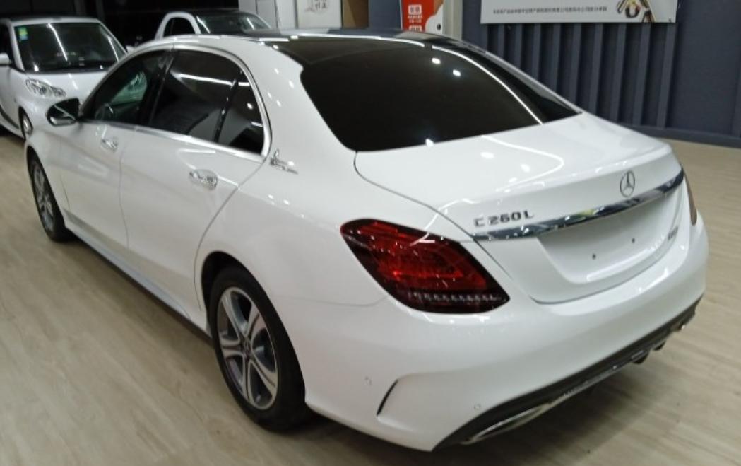 2019-04 奔驰 奔驰C级 2019款 C 260 运动版